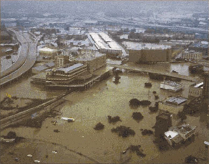 Photo: major flooding from Tropical Storm Allison in Houston, TX, June 2001